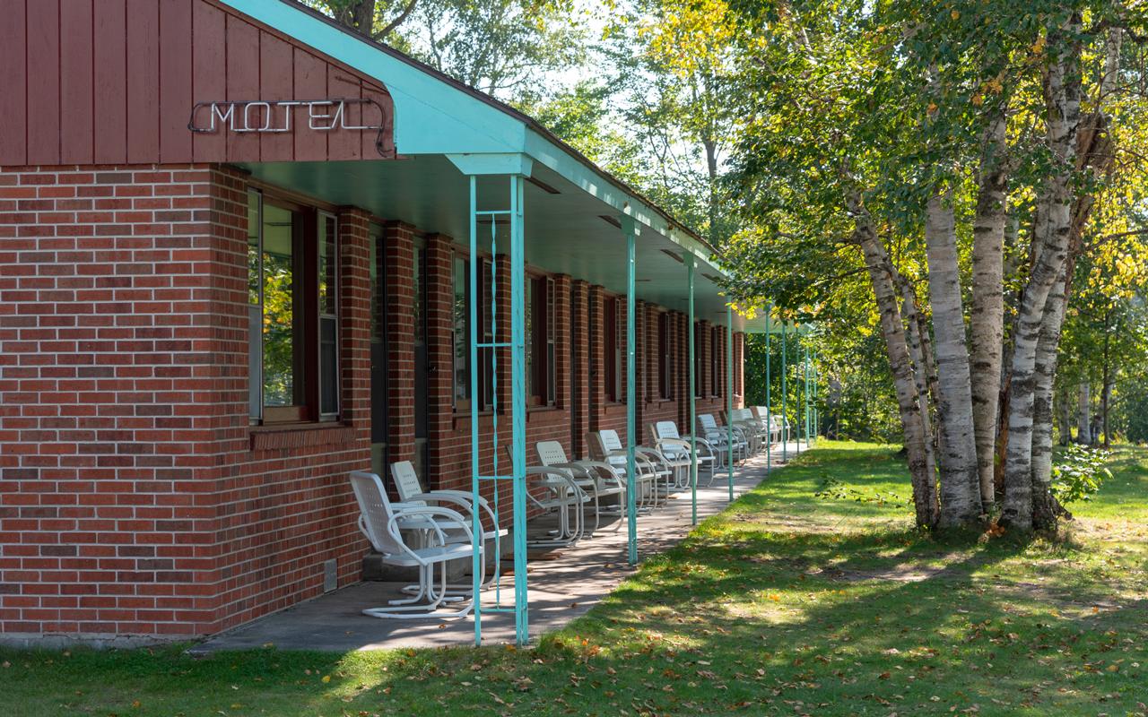 Motel-Porch